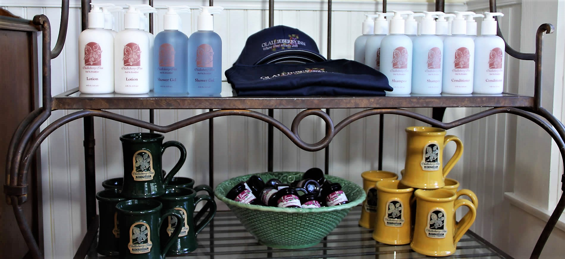 olallieberry inn gift shop with hats, lotion and cups