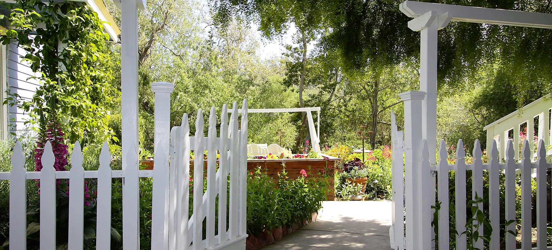 cambria bed and breakfast inn gardens with gate