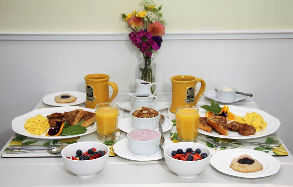 cambria bed and breakfast: breakfast setting with beautiful foods and juice