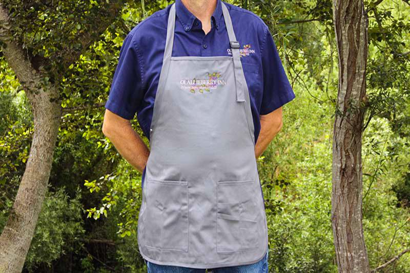 cambria bed and breakfast: signature apron